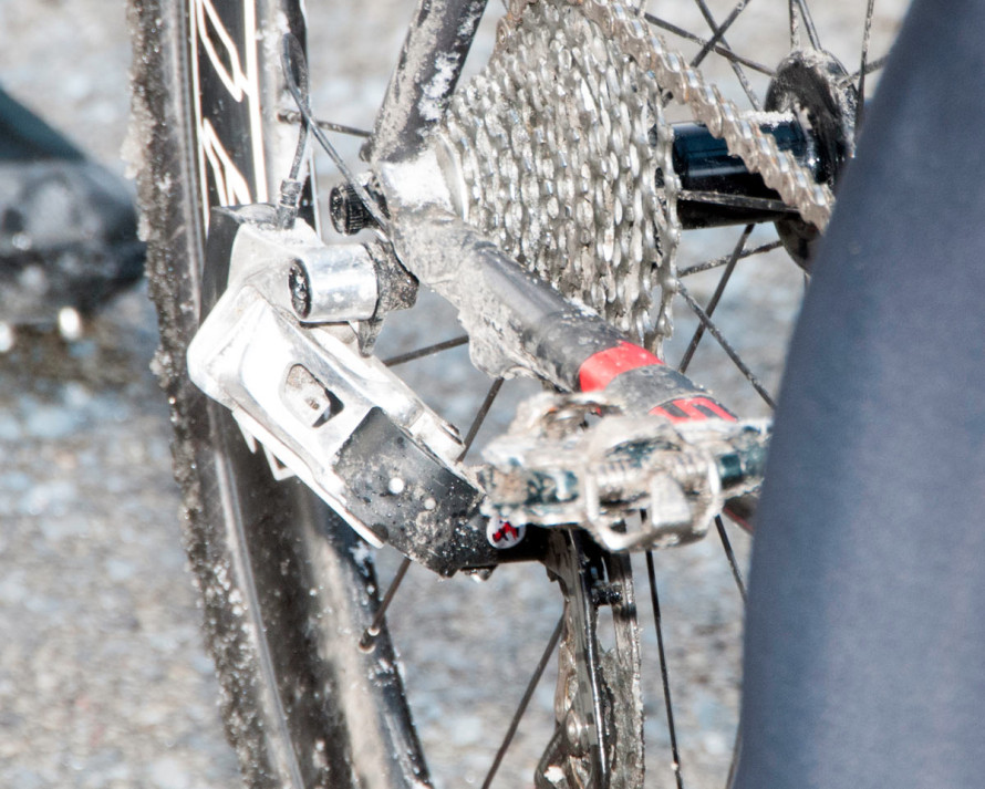 SRAM-electronic-rear-derailleur-prototype-closeup-big1